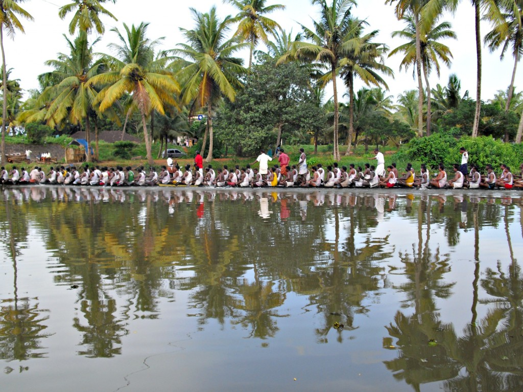 Some seriously long dragon boats