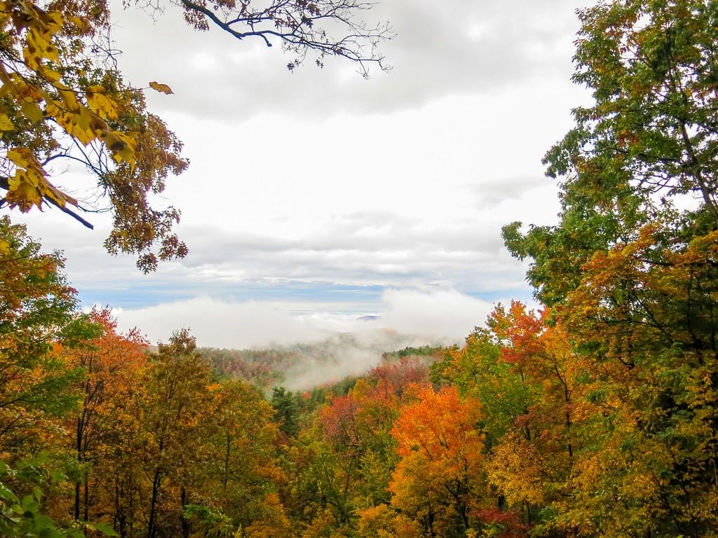 Fall Peak Foliage Indian Summer USA Honeymoon Road Trip