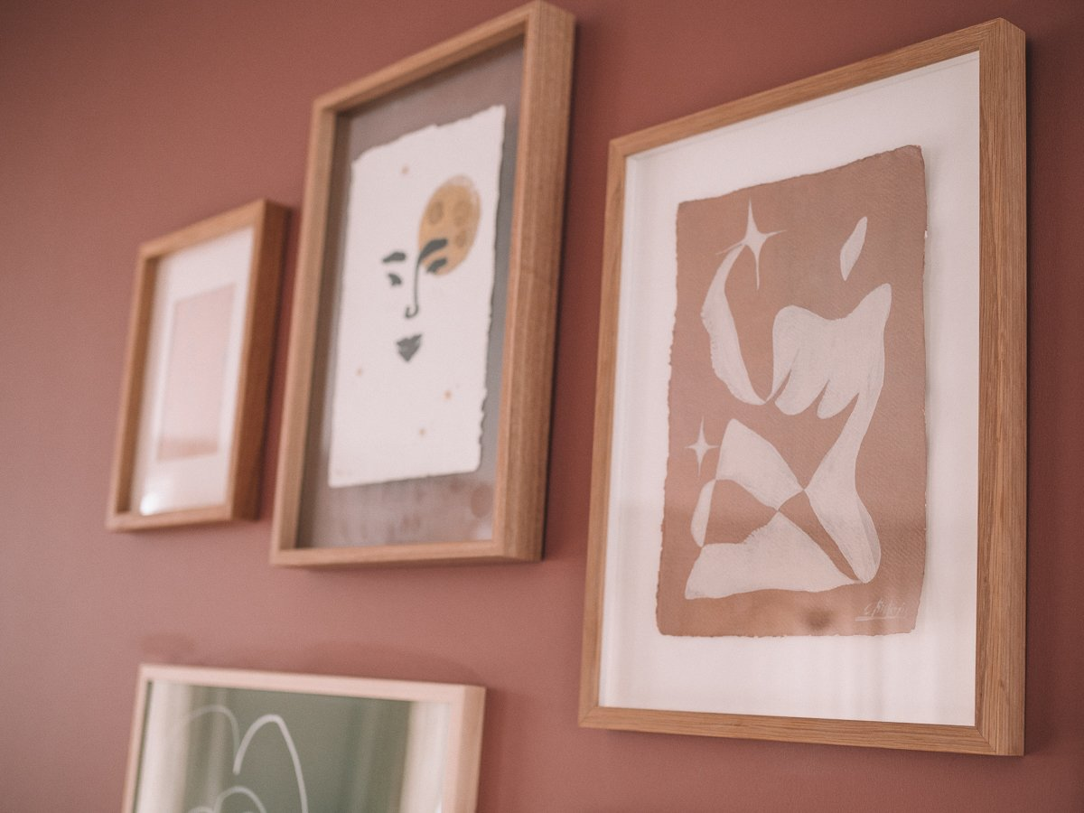 Gallery wall Cate Adriana art